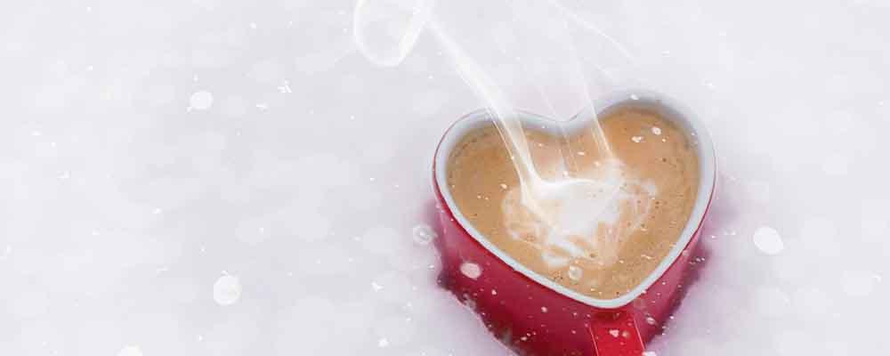 飲み物で暖かく