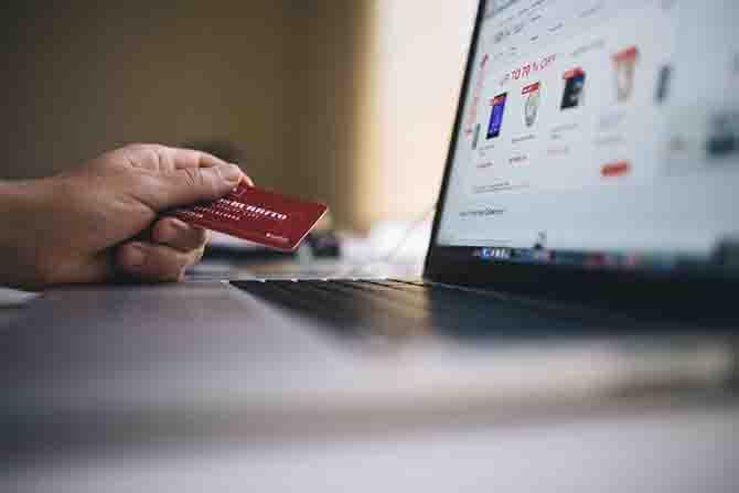 ネットと実店舗を上手く利用した買い物方法