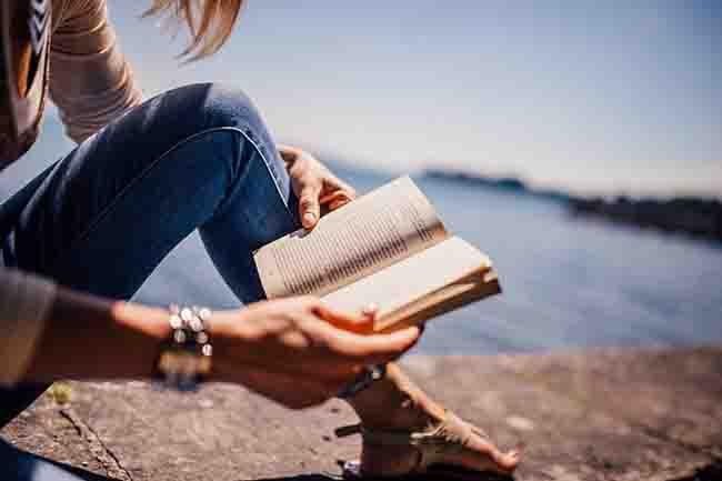 読書は、暇つぶしであり、一生の友達です。